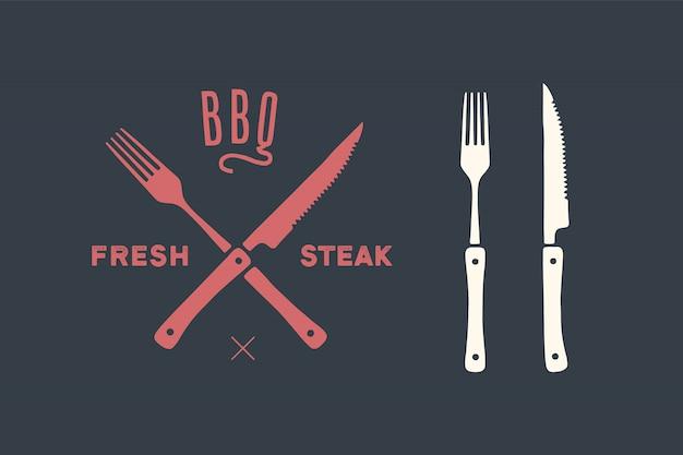Set di coltelli e forchette da taglio per carne. bistecca, macelleria e forniture per barbecue Vettore Premium