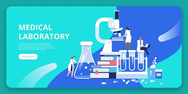 Ricerca di laboratorio medico con microscopio, provetta di vetro scientifica, libri e pillole.