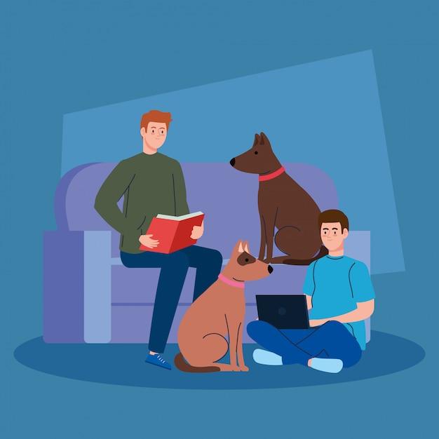 Uomini che fanno attività seduti nel divano con mascotte di cani, libro di lettura e utilizzando il computer portatile