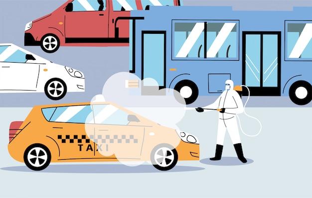 Gli uomini che indossano una tuta protettiva disinfettano i veicoli con coronavirus o covid 19