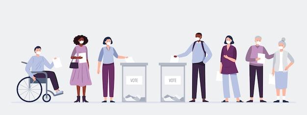 Uomini e donne che mettono le schede di carta nella cassetta elettorale