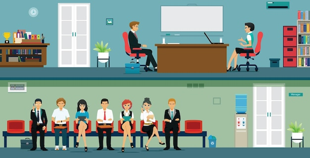 Uomini e donne in attesa di colloqui di lavoro dal loro capo
