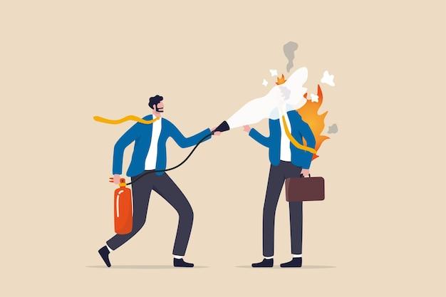 Tutoraggio o supporto per aiutare i dipendenti a burnout, affaticamento o sovraccarico di lavoro, gestione delle persone o raffreddamento del cervello per ridurre il concetto di ansia, l'uomo d'affari ha messo l'estintore sul suo collega burnout.