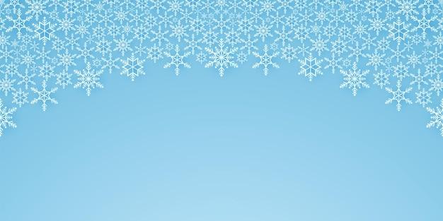 Buon natale, sfondo con motivo a fiocchi di neve, striscione che cade sulla neve, copia spazio, stile artistico su carta