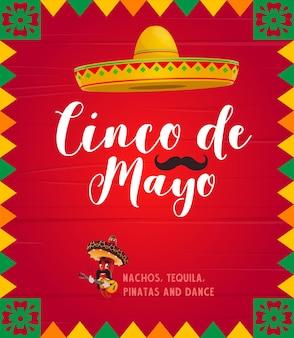Il peperoncino rosso piccante messicano jalapenos mariachi indossa il sombrero che suona la chitarra