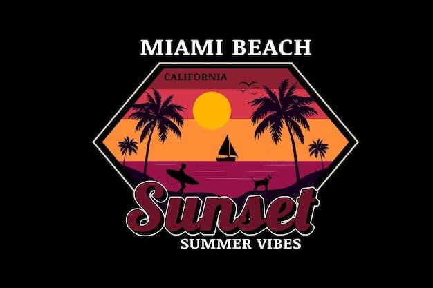Le vibrazioni estive del tramonto di miami beach colorano l'arancione giallo e viola