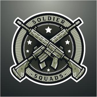 Design del logo mascotte esport fucile militare