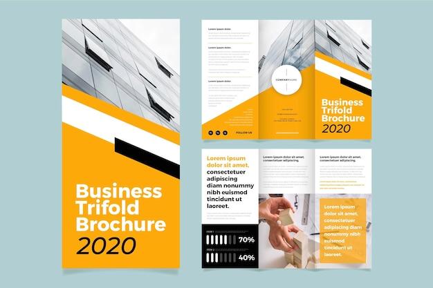 Modello di brochure a tre ante minimo