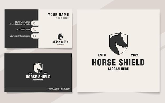 Stile minimalista del monogramma del modello di logo dello scudo del cavallo