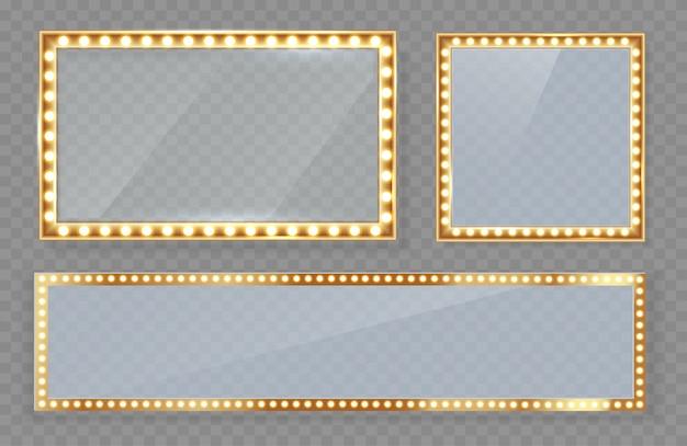 Specchio in una cornice con evidenziazione del trucco con luci dorate.