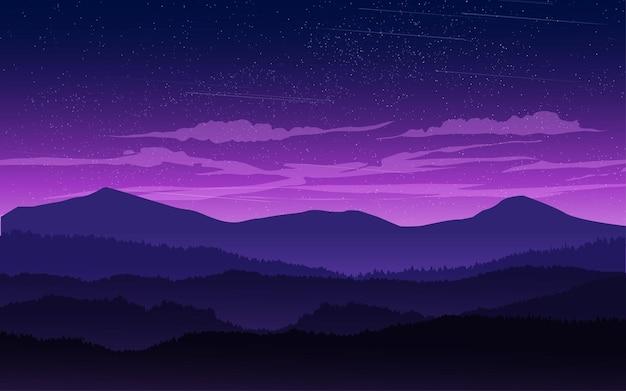 Paesaggio notturno di montagna nebbiosa con nuvole