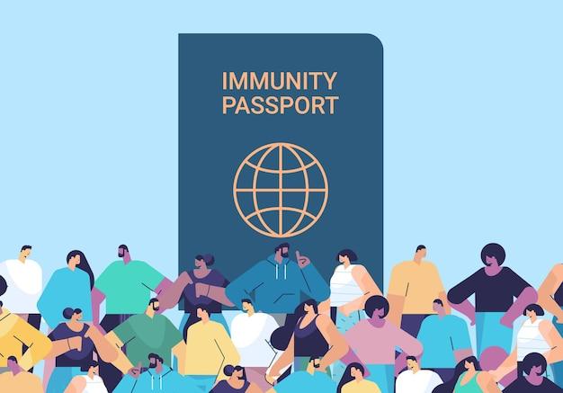 Mescolare il gruppo di persone di razza vicino al passaporto di immunità globale senza rischi covid-19 re-infezione concetto di immunità al coronavirus