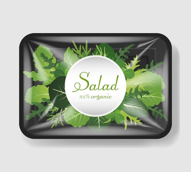 Mix di foglie di insalata in un contenitore di plastica con coperchio in cellophane. modello per il tuo design. contenitore per alimenti in plastica. illustrazione.