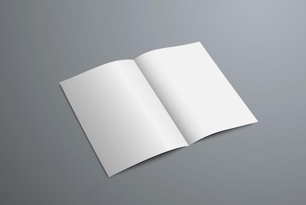 Mockup brochure bifold aperta per il design della presentazione. modello di modulo vuoto realistico isolato su priorità bassa.