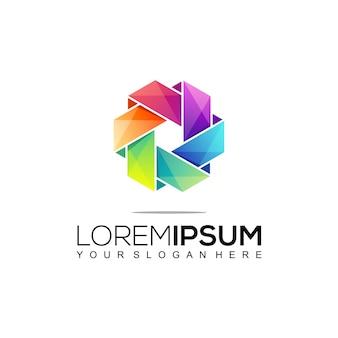 Modello di progettazione di logo colorato di costruzione moderna