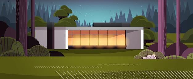 Casa moderna di pannelli sandwich con finestre panoramiche alloggi modulari per la costruzione di case ecocompatibili