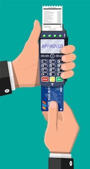 Terminale pos moderno con carta e ricevuta. dispositivo di pagamento bancario. pagamento con tastiera nfc. lettore di carte di credito. illustrazione vettoriale in stile piatto