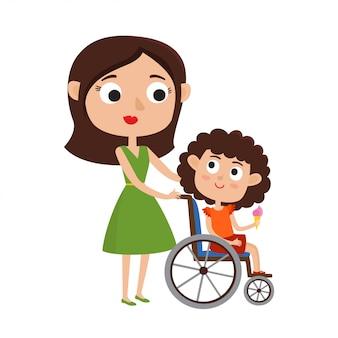Mamma e figlia piccola sorridente sulla sedia a rotelle