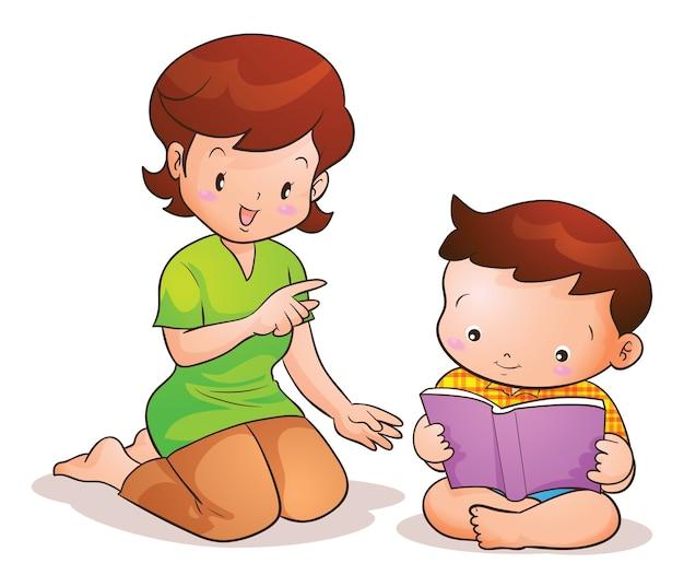 La mamma insegna al figlio a leggere il libro