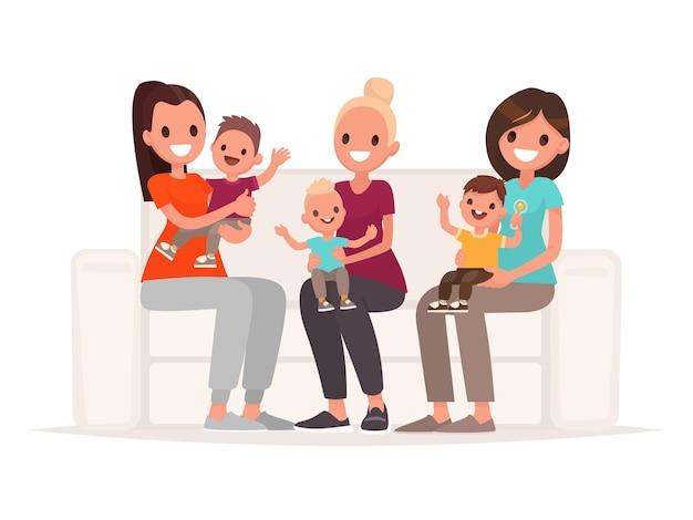 Le mamme tengono i bambini in braccio mentre sono sedute sul divano. comunicazione di giovani madri. in stile piatto