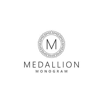 Monogramma lettera iniziale m ornamento orientale logo design