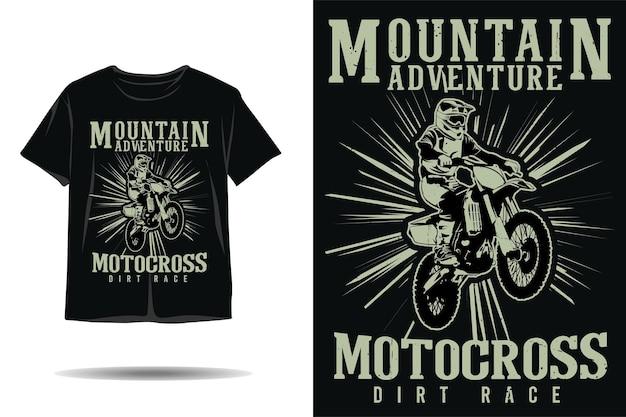 Disegno della maglietta silhouette gara di motocross avventura in montagna