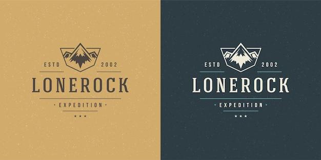 Montagna campeggio logo emblema all'aperto paesaggio rock colline silhouette Vettore Premium