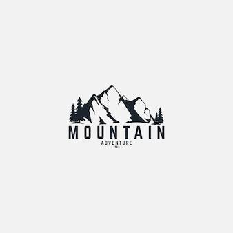 Spedizione in montagna e avventura nel logo della natura