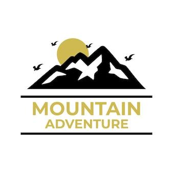 Modelli di logo di montagna