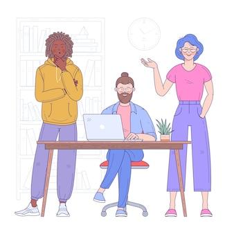 Gruppo multietnico di giovani, allegri impiegati o colleghi di sesso maschile e femminile che risolvono insieme i problemi aziendali attuali