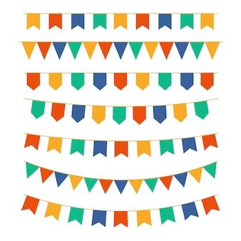 Ghirlande di bandierine multicolori. decorazione di biglietti di auguri, inviti.