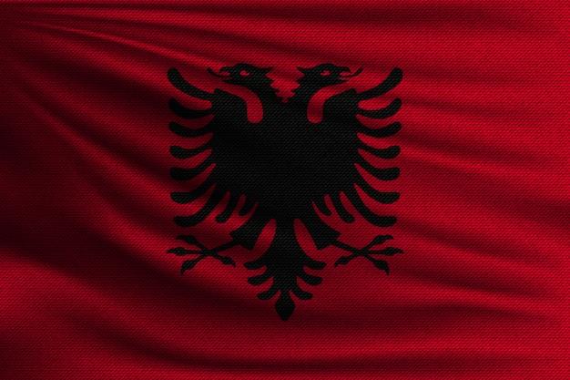 La bandiera nazionale dell'albania.