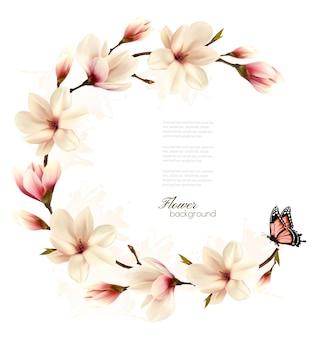 Sfondo della natura con ramo di fiori di magnolia bianca e farfalla. vettore