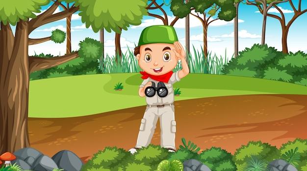 Scena della natura con un personaggio dei cartoni animati di un ragazzo musulmano che esplora nella foresta Vettore Premium
