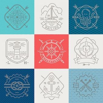 Segni ed etichette degli emblemi nautici, di avventure e di viaggio - illustrazione del disegno a tratteggio