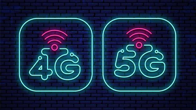 Insegne al neon 4g e 5g isolate sul muro.
