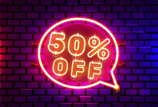 Neon chat frame 50 off banner di testo. scheda del segno di notte.
