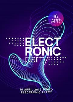 Volantino del club al neon. musica dance elettronica. trance party dj. electroni