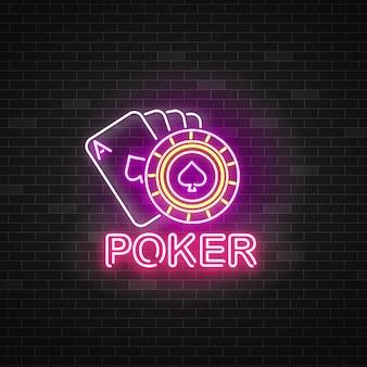 Segno di poker al neon con carte da gioco e roulette