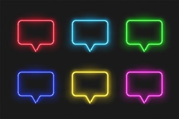 Bolla di discorso al neon impostato isolato