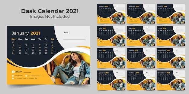 Modello di progettazione del calendario da tavolo del nuovo anno 2021