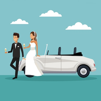 Coppia di sposi sedersi in macchina e bere uno champagne