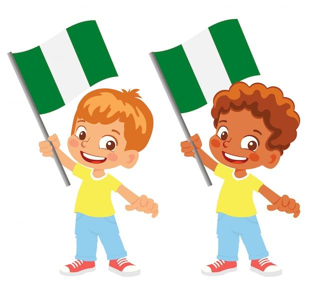 Bandiera della nigeria in mano insieme