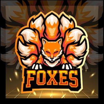 Design del logo esports mascotte volpe a nove code