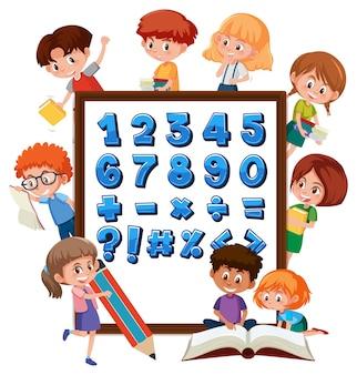 Numero da 0 a 9 e simboli matematici sul banner con molti bambini che svolgono attività diverse