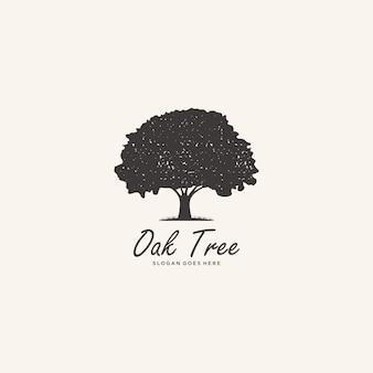 Ispirazione logo albero di quercia