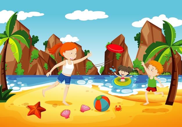 Scena dell'oceano con persone che si divertono sulla spiaggia