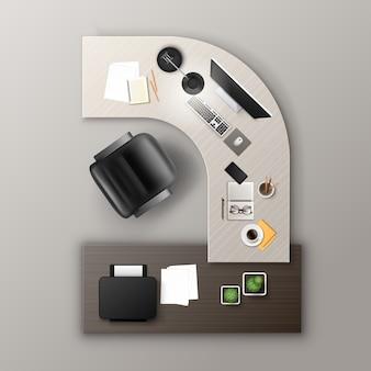 Tavolo da lavoro in legno color ocra con materiale per ufficio e dispositivi digitali