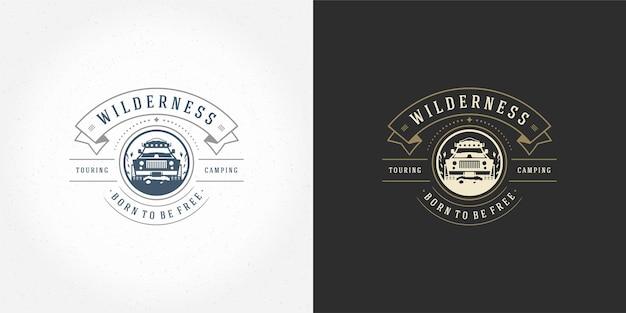 Fuoristrada auto logo emblema illustrazione vettoriale all'aperto avventura estrema spedizione safari suv sagoma per maglietta o timbro di stampa. design distintivo tipografia vintage.