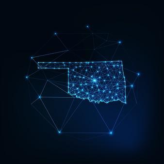Oklahoma stato usa mappa sagoma incandescente contorno fatto di stelle linee punti triangoli, forme poligonali basse. comunicazione, concetto di tecnologie internet. wireframe futuristico